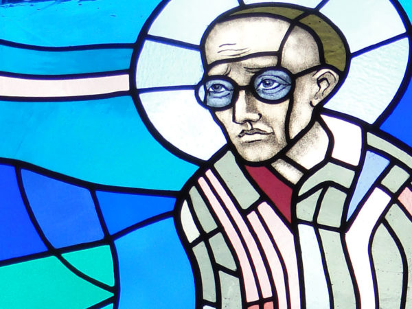 <span>Witraż w kaplicy w Porębie (2 zdj.)</span><i>→</i>